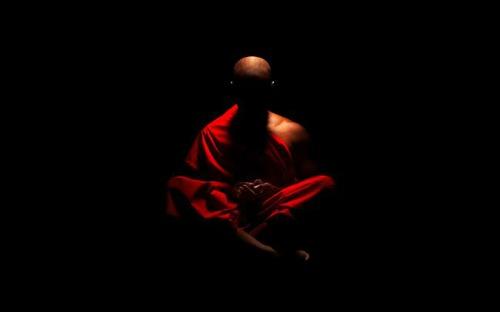 A meditação permite-nos ir mais além das experiências superficiais da mente