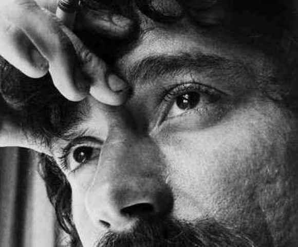 O cantor e compositor  morreu em São Paulo, aos 44 anos, em 1989
