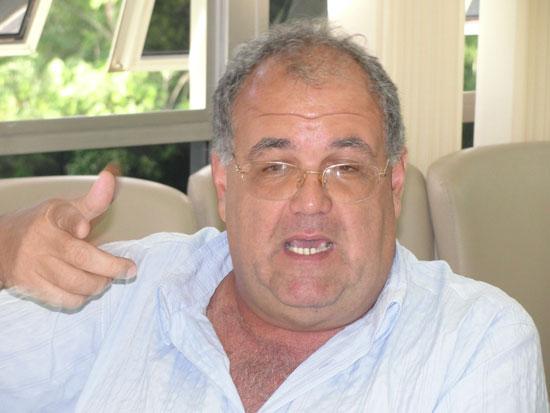 Estevam Duarte de Assis, 67 anos, doa 90% dos seus ganhos pessoas, de acordo com amig