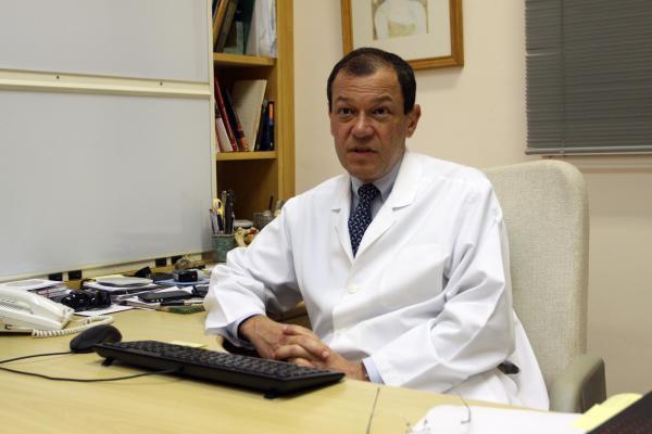 Elé é considerado um dos maiores neurocirurgiões do Brasil