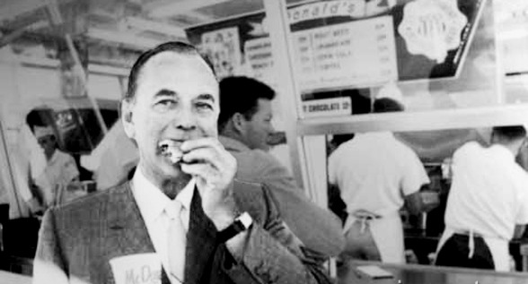 Roy Kroc vendia copos de papel e máquinas de fazer milk-shakes antes de se tornar milionário