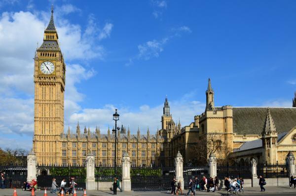 O Big Ben, relógio mais conhecido do mundo, é um dos símbolos da cidade