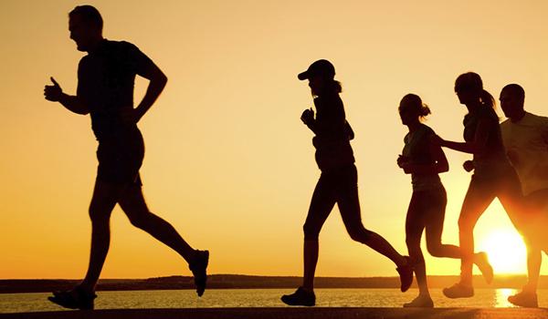 Caminhar com regularidade é muito mais benéfico do que se imagina
