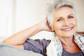 A melhor forma de valorizar a beleza da mulher mais velha