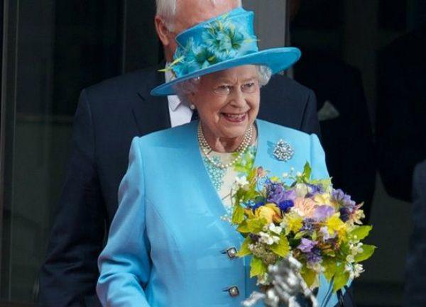 a rainha Vitória, que permaneceu no trono por 63 anos e 216 dias