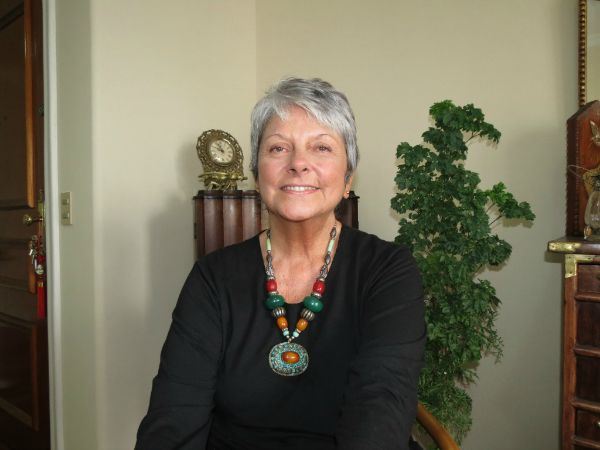 Mary Dalva Vancetto, 61 anos, é biomédica e há dois anos parou de colorir os cabelos