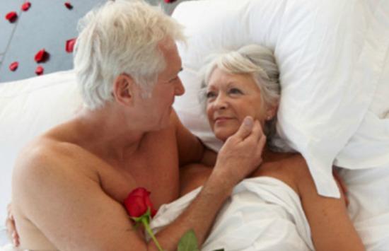 Depois dos 60 anos, os olhos querem, trocam, mas já compreendem que a sedução é mais do que o ato em si