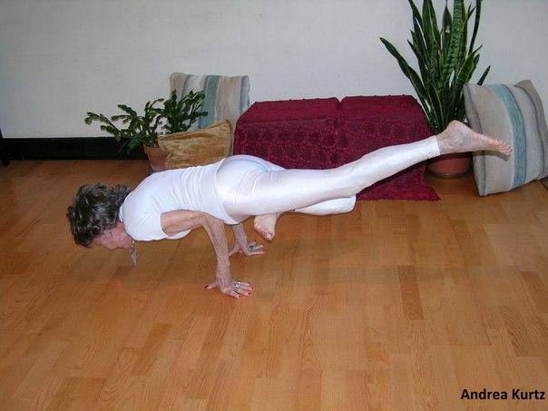 Aos 9  , ela é a mais velha professora de yoga do mundo