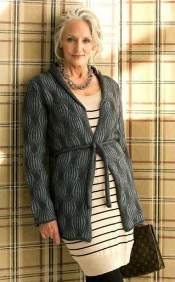 Cindy  é uma entre muitas mulheres com mais de 60 no mundo da moda