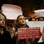 Um dos muitos protestos Brasil afora contra o estupro coletivo no Rio de Janeiro