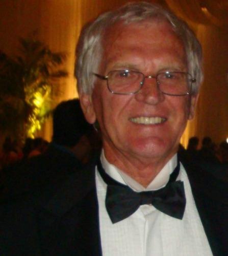 O advogado Floriano Rosanky, 77, na noite da formatura da neta