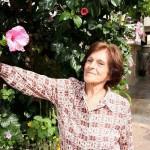 Dagmar Ribeiro, de 85 anos, passou por uma cirurgia endoscópica para a retirada de um tumor