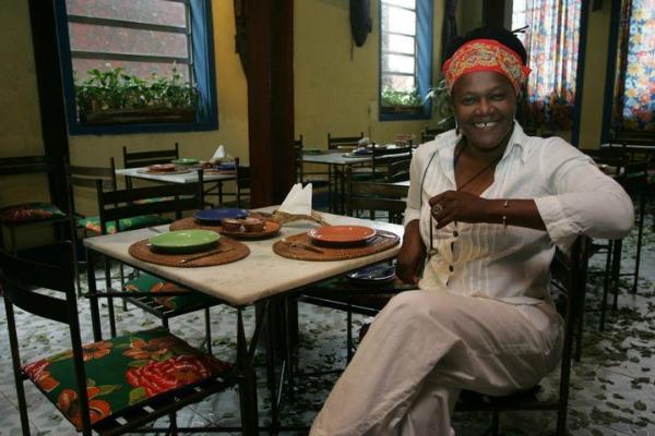 Neide é referência no Rio, quando se trata das delícias da comida baiana