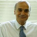 """Dr. Dráuzio Varella:  """"Da mesma forma que ensaiamos os primeiros passos por imitação, temos que aprender a ser adolescentes, adultos e a ficar cada vez mais velhos"""""""