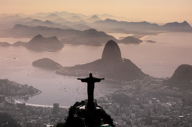 Resultado de imagem para A realidade do carioca: Fala sério, existe melhor lugar no mundo para se morar?