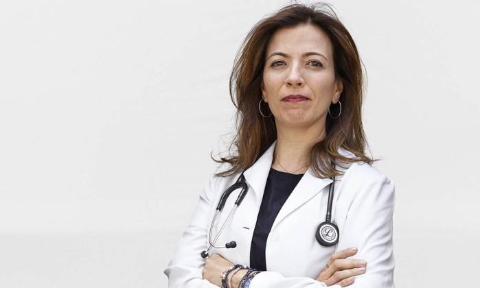 """Dra. Ana Cláudia Quintana acaba de lançar o livro """"A morte é um dia que vale a pena viver"""""""