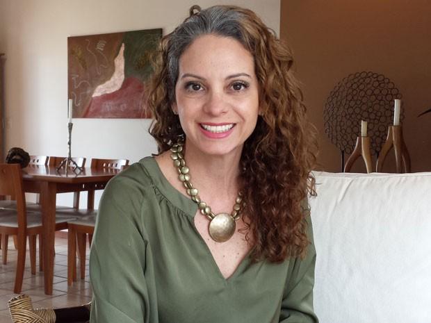 Kika Ribeiro tem um canal no Youtube e aborda o tema do cabelo