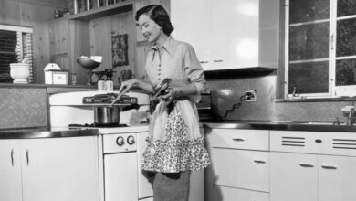 """Foto de Guia de 1950 dá 18 dicas para mulheres serem """"boas esposas"""""""