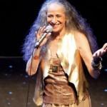 Maria Bethânia, 72, está lançando DVD, parte das celebrações dos 50 anos de carreira