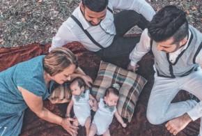 Mãe, 58, 'empresta' barriga para filho e genro e dá à luz gêmeos