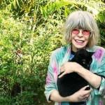 Rita Lee com gato chamada