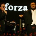 O cantor pop e o tenor italiano numa apresentação histórica