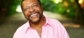 Martinho da Vila, 79, volta a estudar e faz curso em Universidade