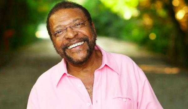 O cantor e compositor estuda Relações Internacionais em uma faculdade do Rio