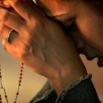 Estranho que até hoje as mulheres sejam impedidas de acesso ao sacerdócio