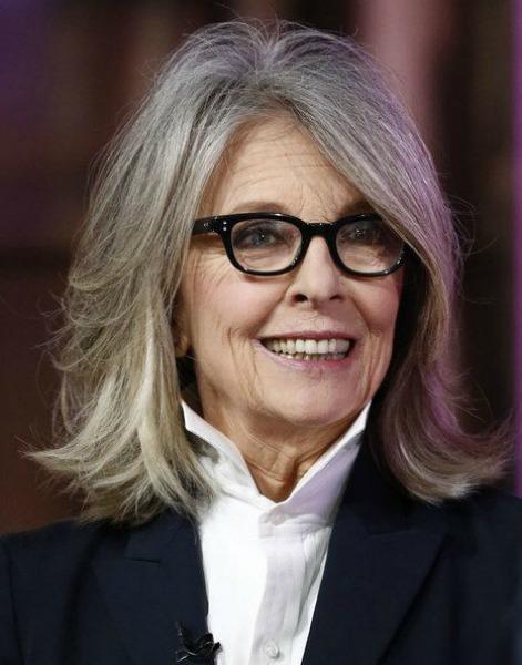 Impressionante a beleza e a quantidade de cabelo da atriz Diane Keaton
