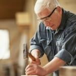 Os americanos mais velhos estão trabalhando mais e quem tem menos de 65 anos está trabalhando menos