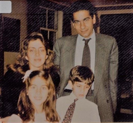 Com os dois filhos,       e Basil, do primeiro casamento, com o armador