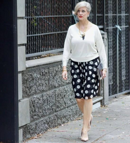 A blogueira com seu estilo elegante e simples