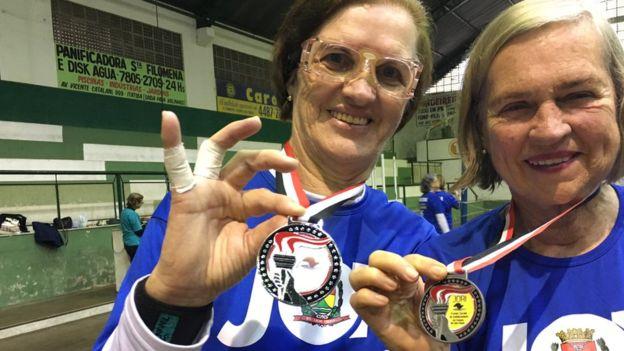Elas conquistaram dois vice-campeonatos nos Jogos Regionais do Idoso (categoria 60 anos) e um título na categoria 70 anos