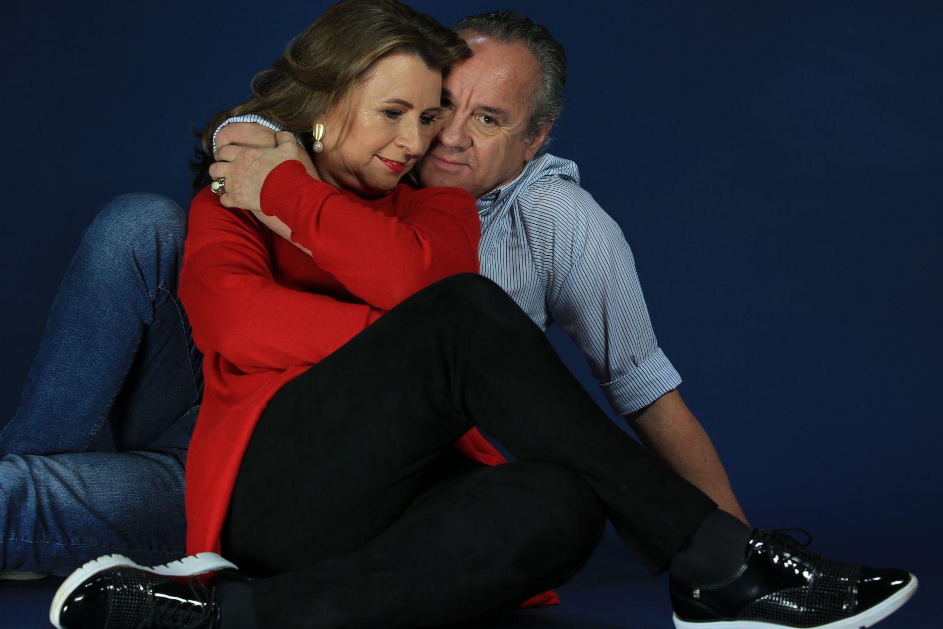 Leonardo Petry e Lucia Pesca tiveram um namorico de adolescentes e se reencontraram 45 anos depois