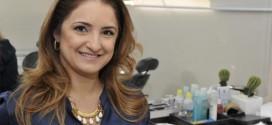 Maquiagem ajuda a amenizar as marcas deixadas pelo tempo
