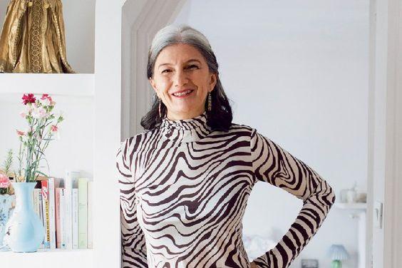 A jornalista e escritora Sophie Fontanel deixou de pintar os cabelos há dois anos