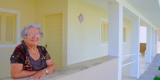 Condomínios, repúblicas e vilas diversificam moradia para idosos