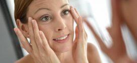 8 fatores que levam ao envelhecimento mais rapido do rosto