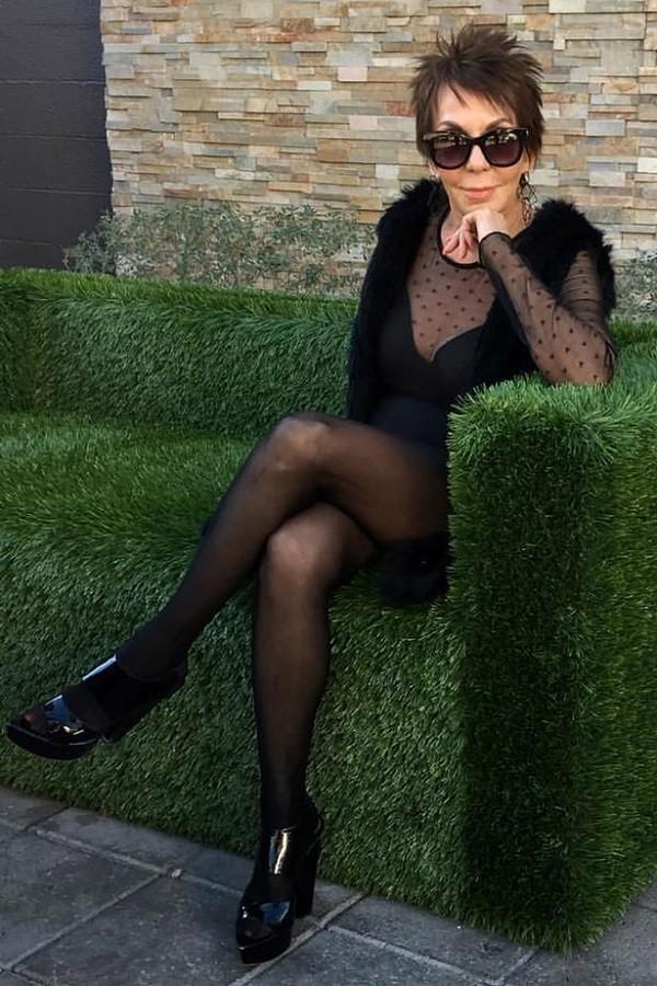 Aos 83 anos, ex-garota da Playboy torna-se modelo de