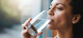 Médico explica a quantidade de água que se deve tomar em jejum