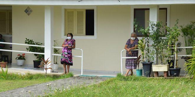 Com mais de 60 anos, eles vivem em segurança na Cidade Madura
