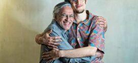 Caetano, celebrando seus 78 anos, faz show ao vivo nesta Sexta